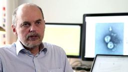 Der Regensburger Infektiologe Bernd Salzberger befürwortet Ausgangssperren | Bild:BR