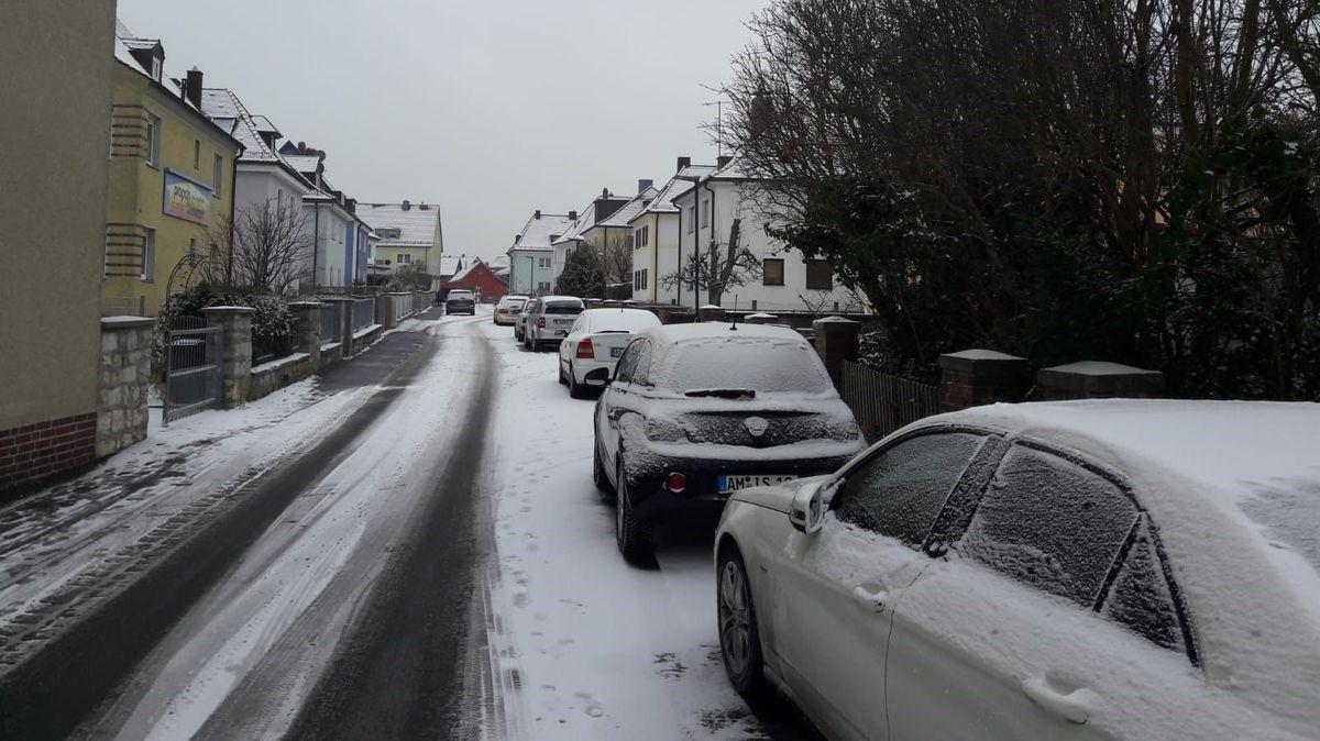 Verschneite Straße in Amberg