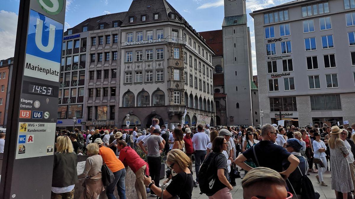 Demonstration am Münchner Marienplatz