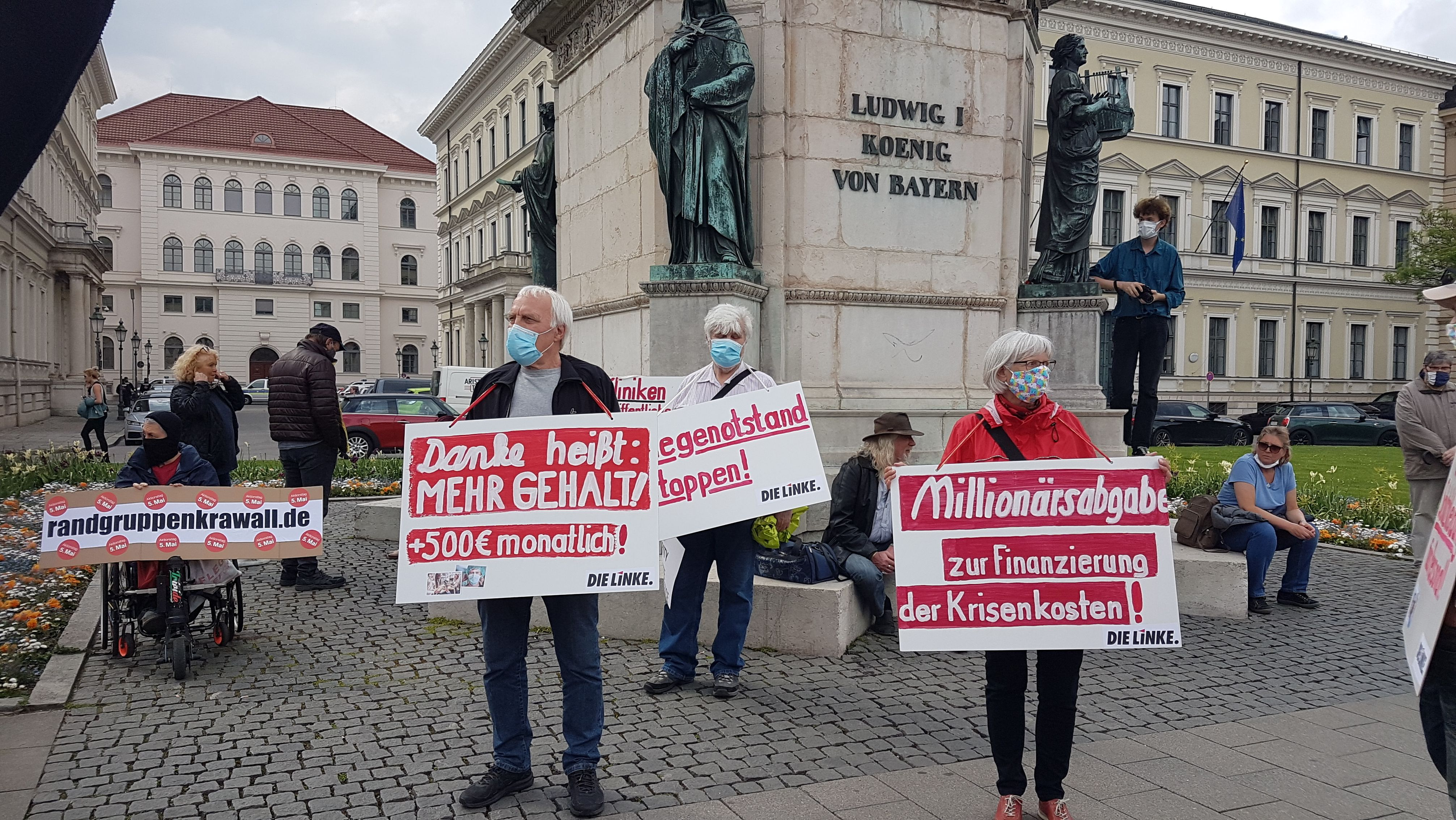 Demo gegen Isolation in der Pflege wegen Corona vor dem Innenministerium