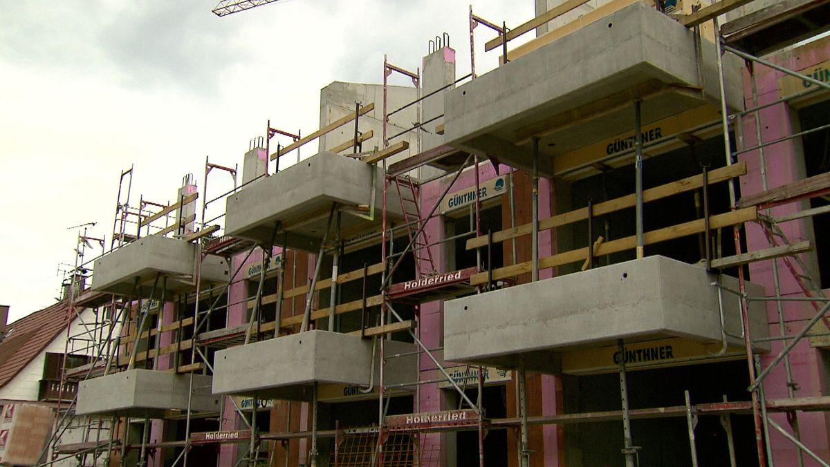 Mittelständische Unternehmen setzen vermehrt auf Werkswohnungen.