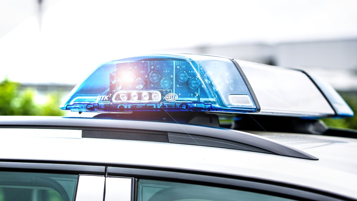 Das Blaulicht eines Polizei-Autos