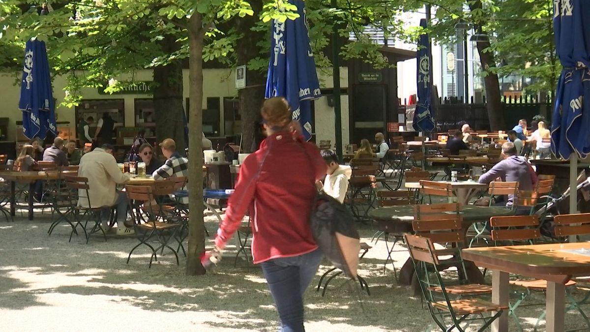 Im Münchner Biergarten