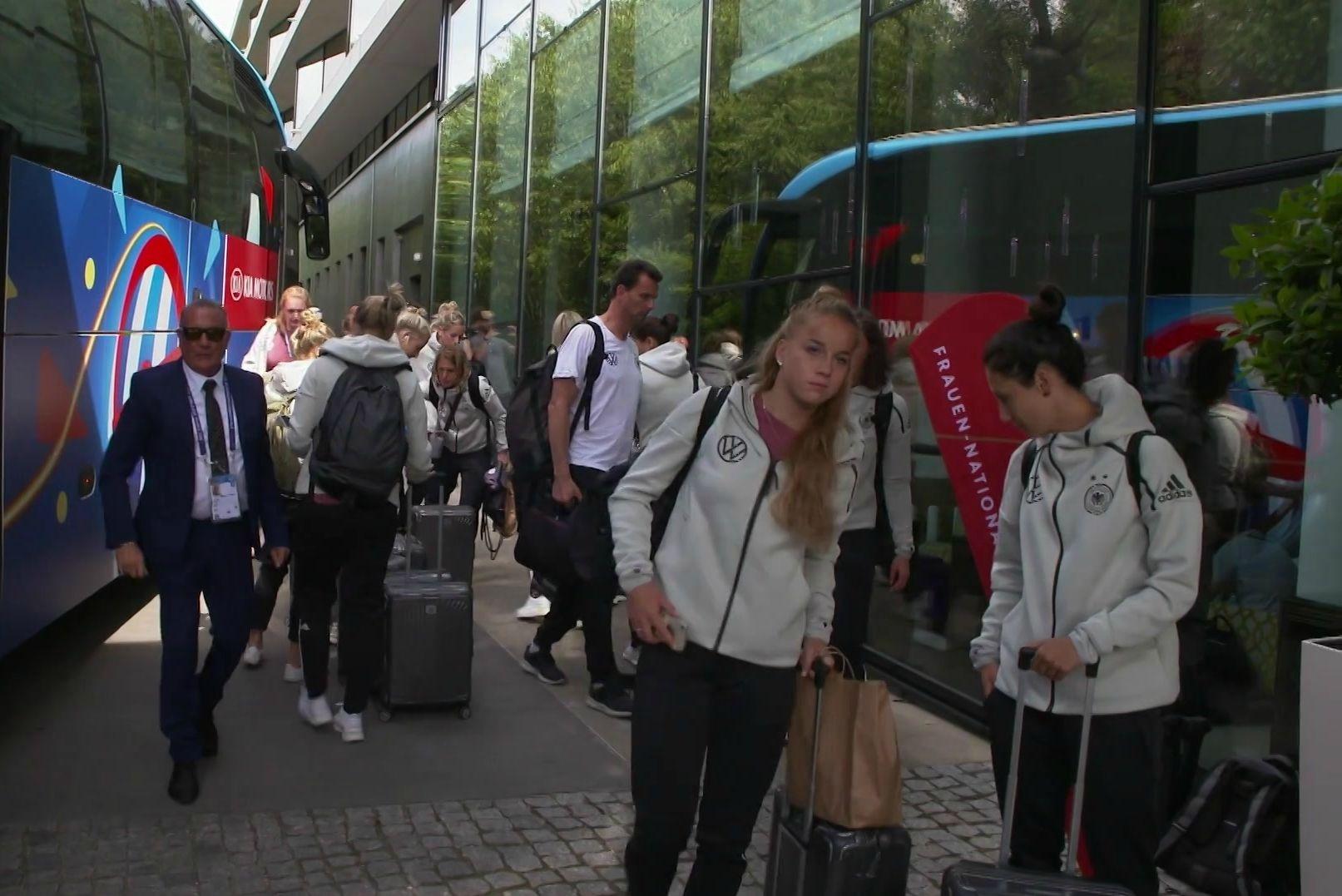 Ankunft der DFB-Frauen in Montpellier