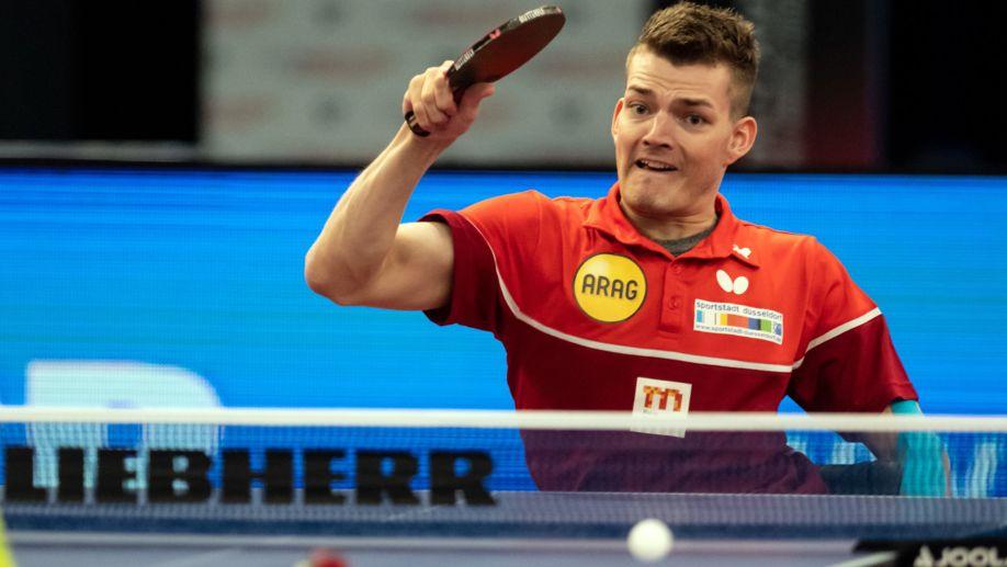 Thomas Schmidberger wurde 1991 in Zwiesel geboren. Er wird bei den Paralympics in Tokio im Tischtennis Einzel und in der Mannschaft antreten.