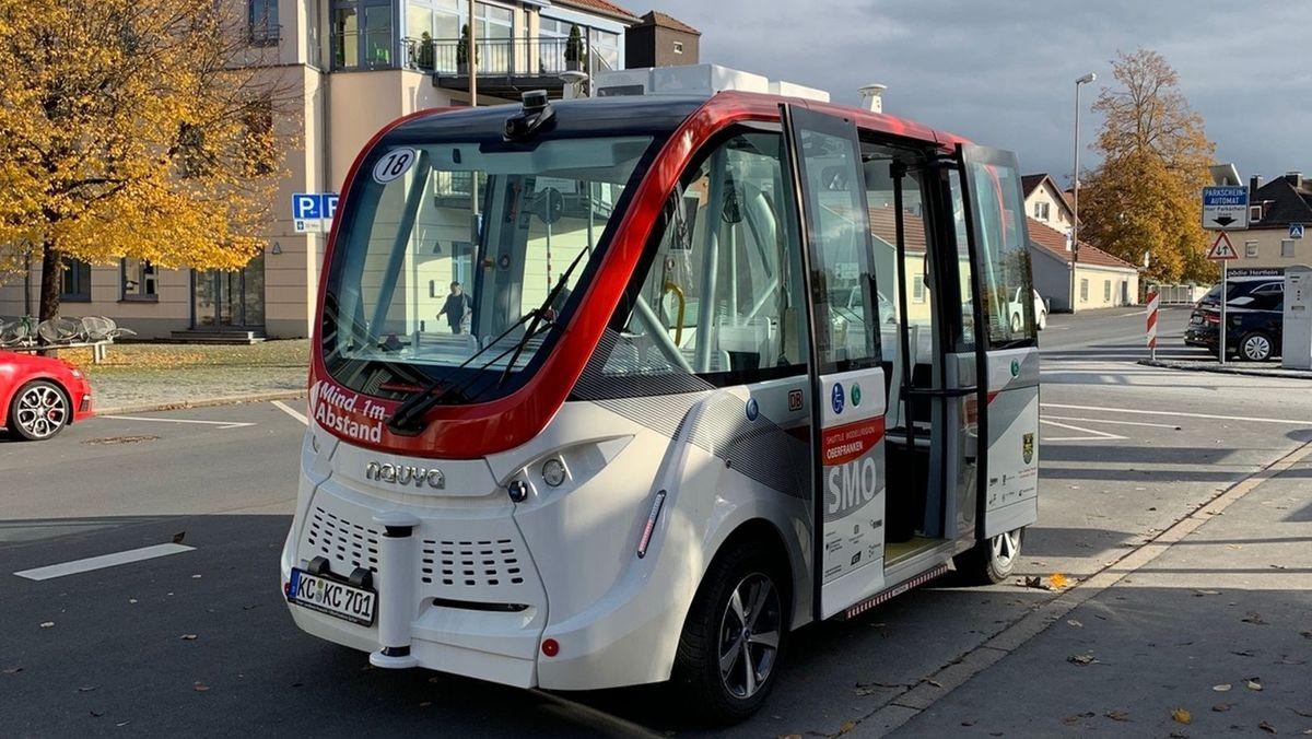 Ein autonom fahrender Shuttlebus in Kronach.