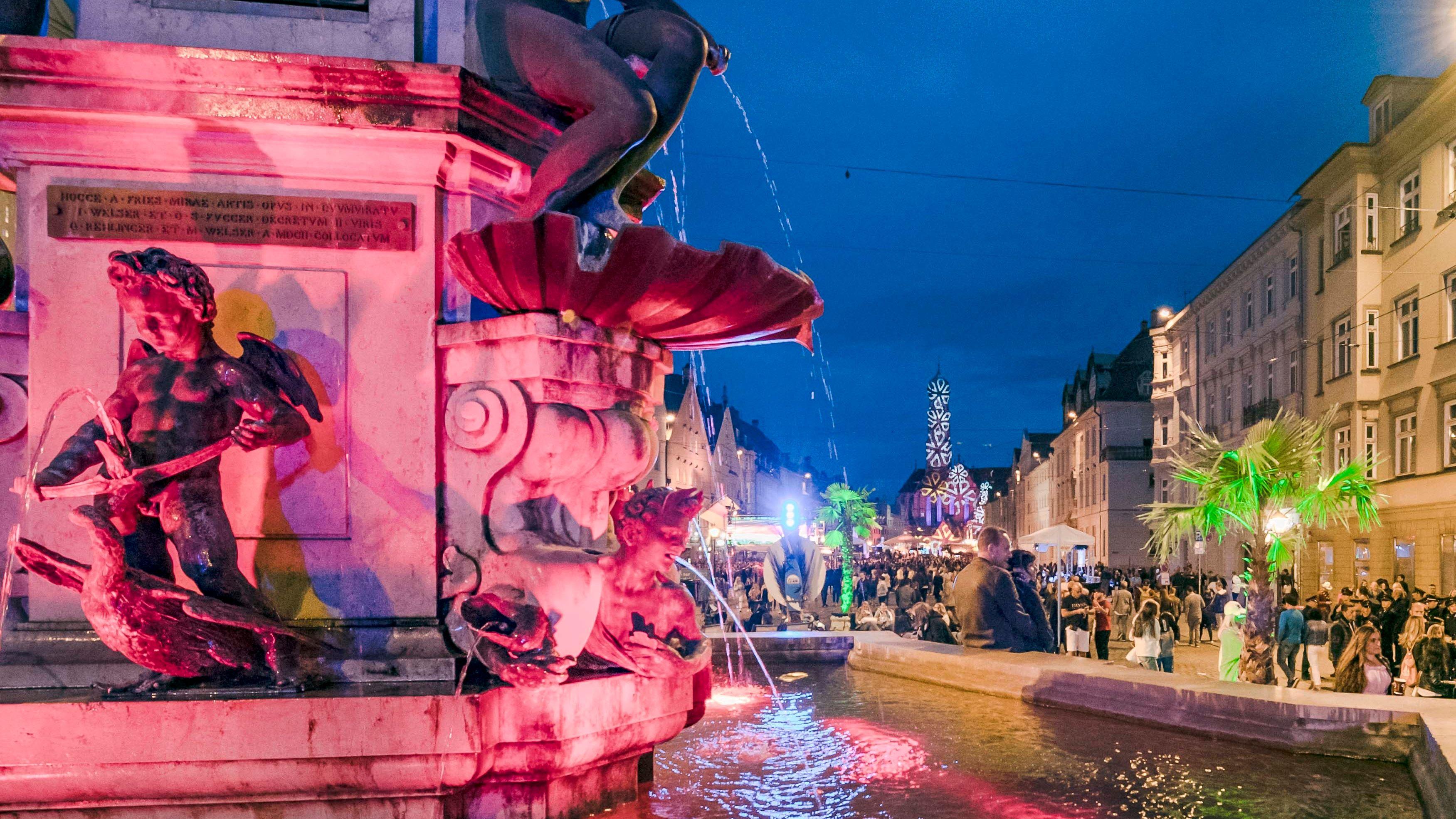 Zehntausende Besucher verwandelten die Augsburger Innenstadt für drei Tage in eine Festzone.