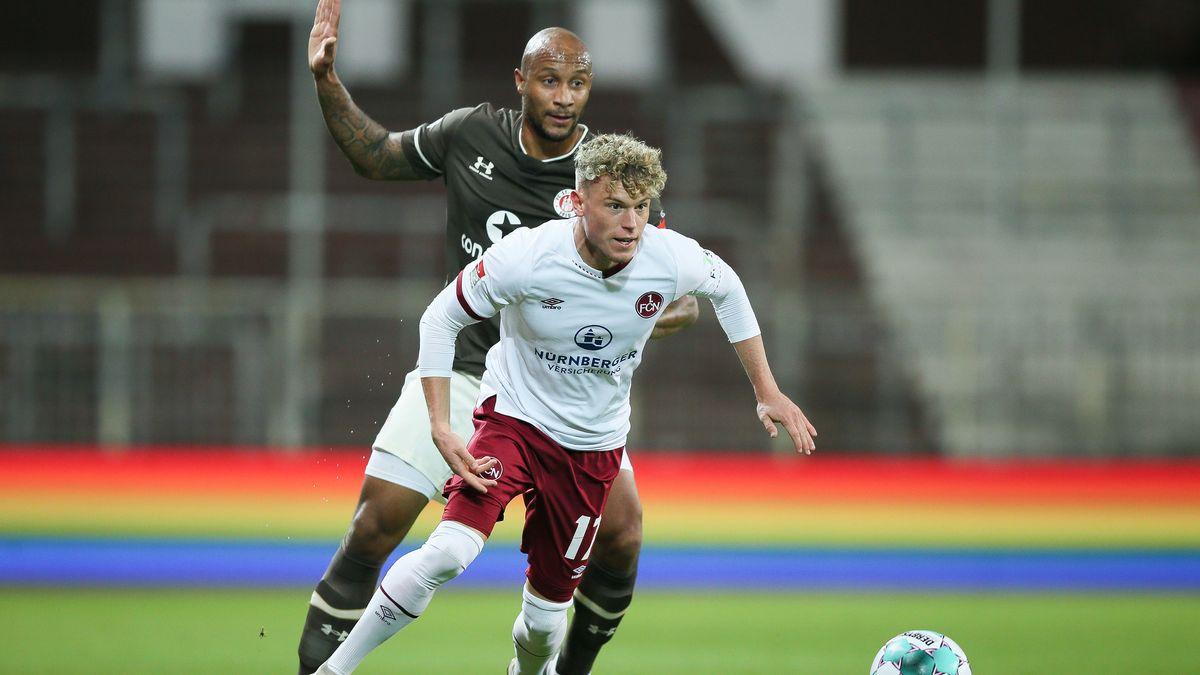Spielszene FC St. Pauli - 1. FC Nürnberg
