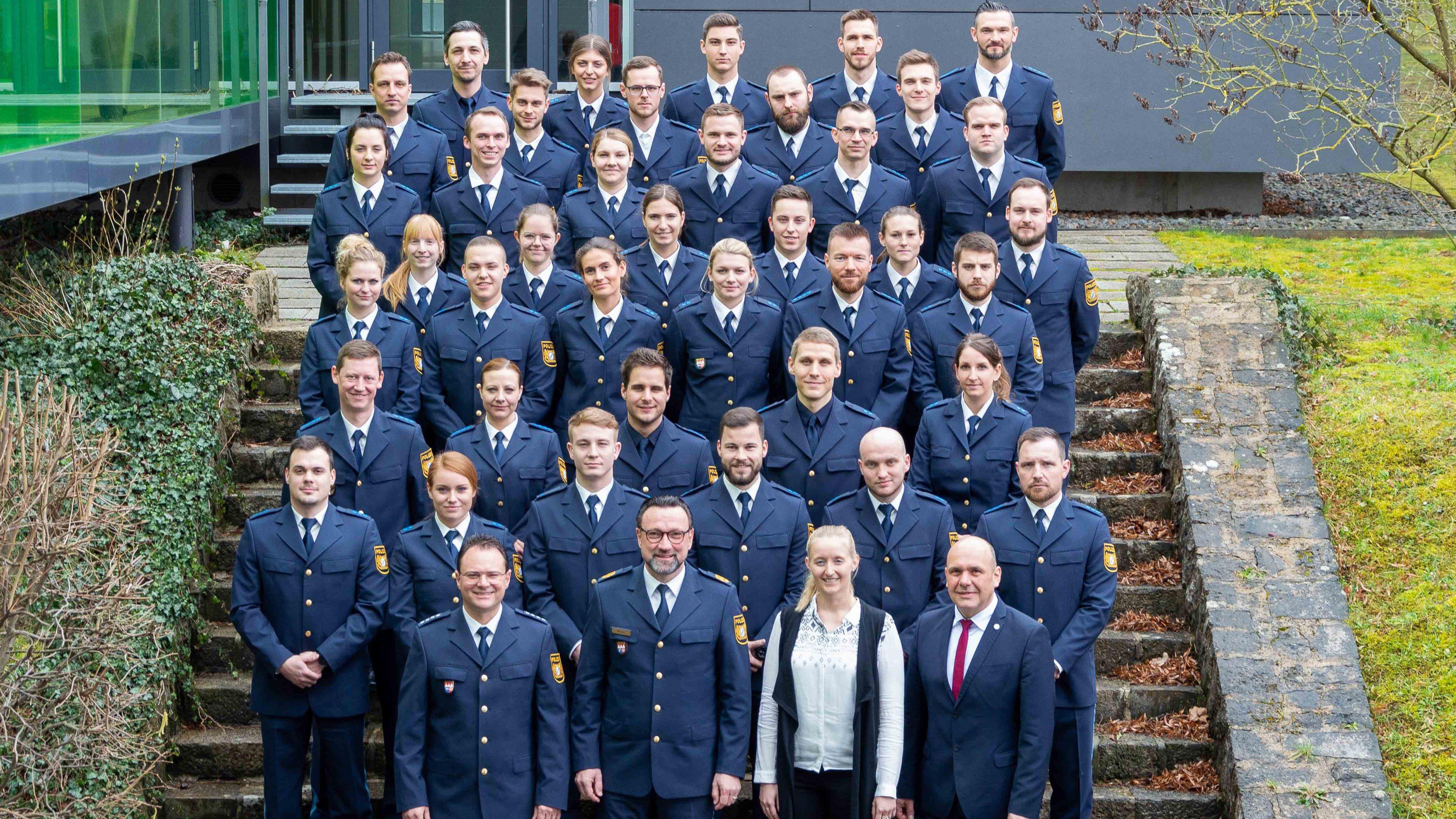 40 neue Polizistinnen und Polizisten treten Dienst in Unterfranken an