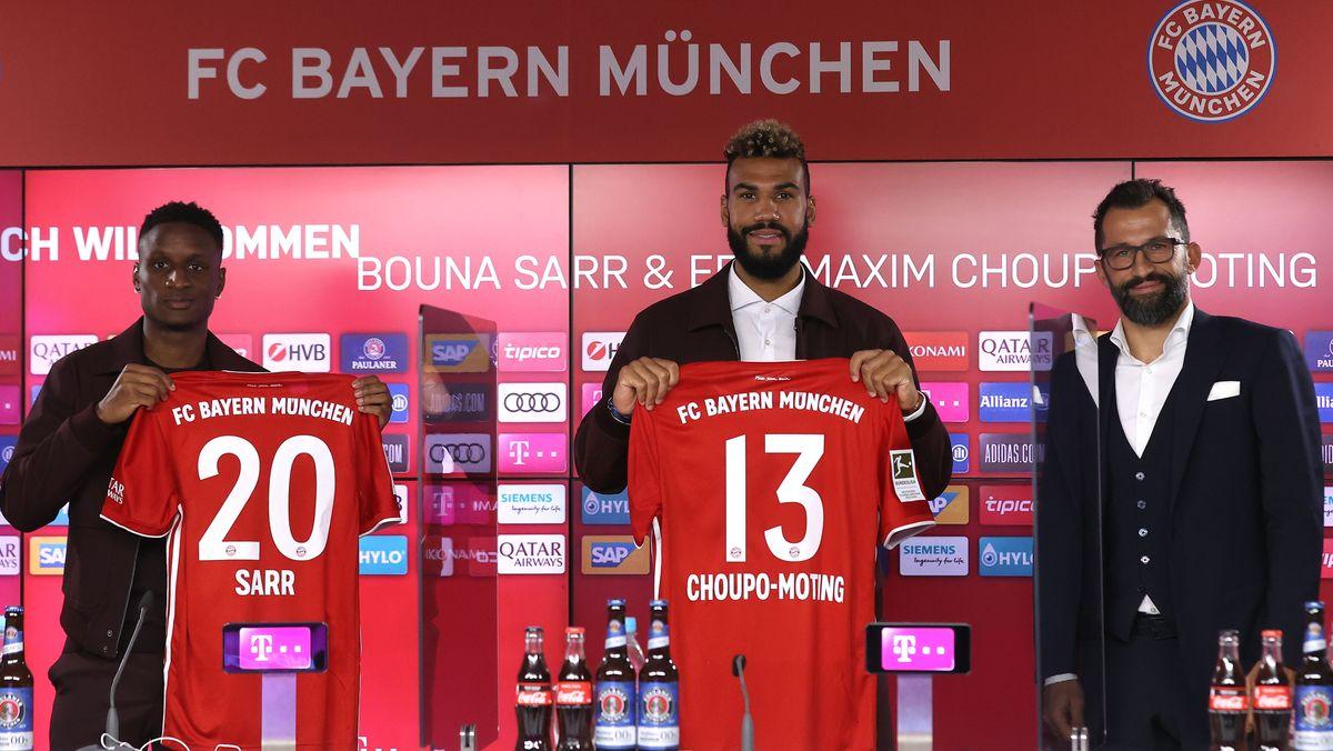 Bouna Sarr (li.), Eric Maxim Choupo-Moting (Mi.) und Sportdirektor Hasan Salihamidzic (re.)