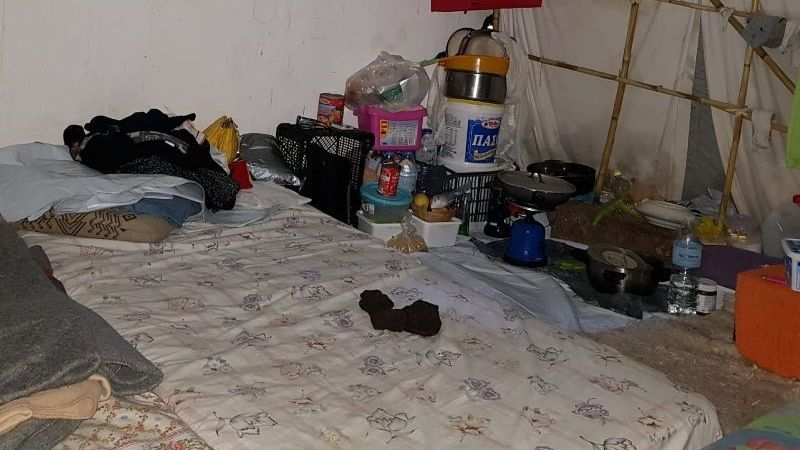 Blick in die Notbehausungen von Flüchtenden auf der Insel Kos