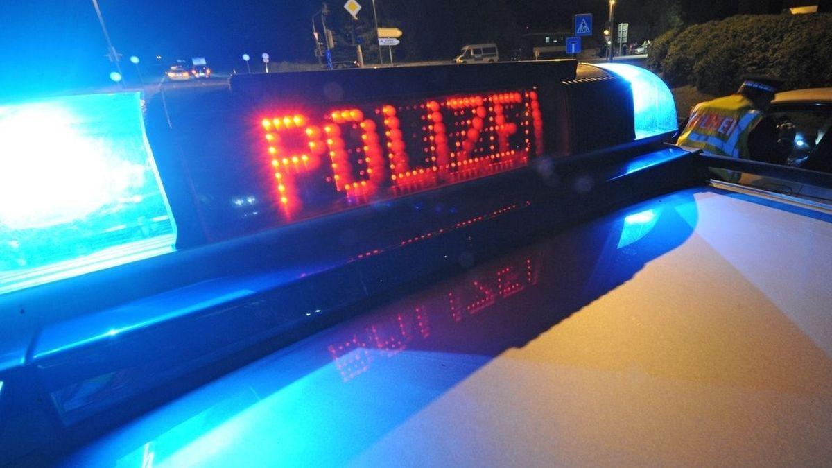 Weil er einen Mann nach einem Streit in Pentling im Kreis Regensburg mit einem Messer verletzt haben soll, sitzt ein 26-Jähriger im Gefängnis.