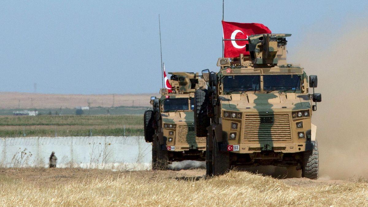 Gepanzerte Militärfahrzeuge der türkischen Streitkräfte (Archivbild)