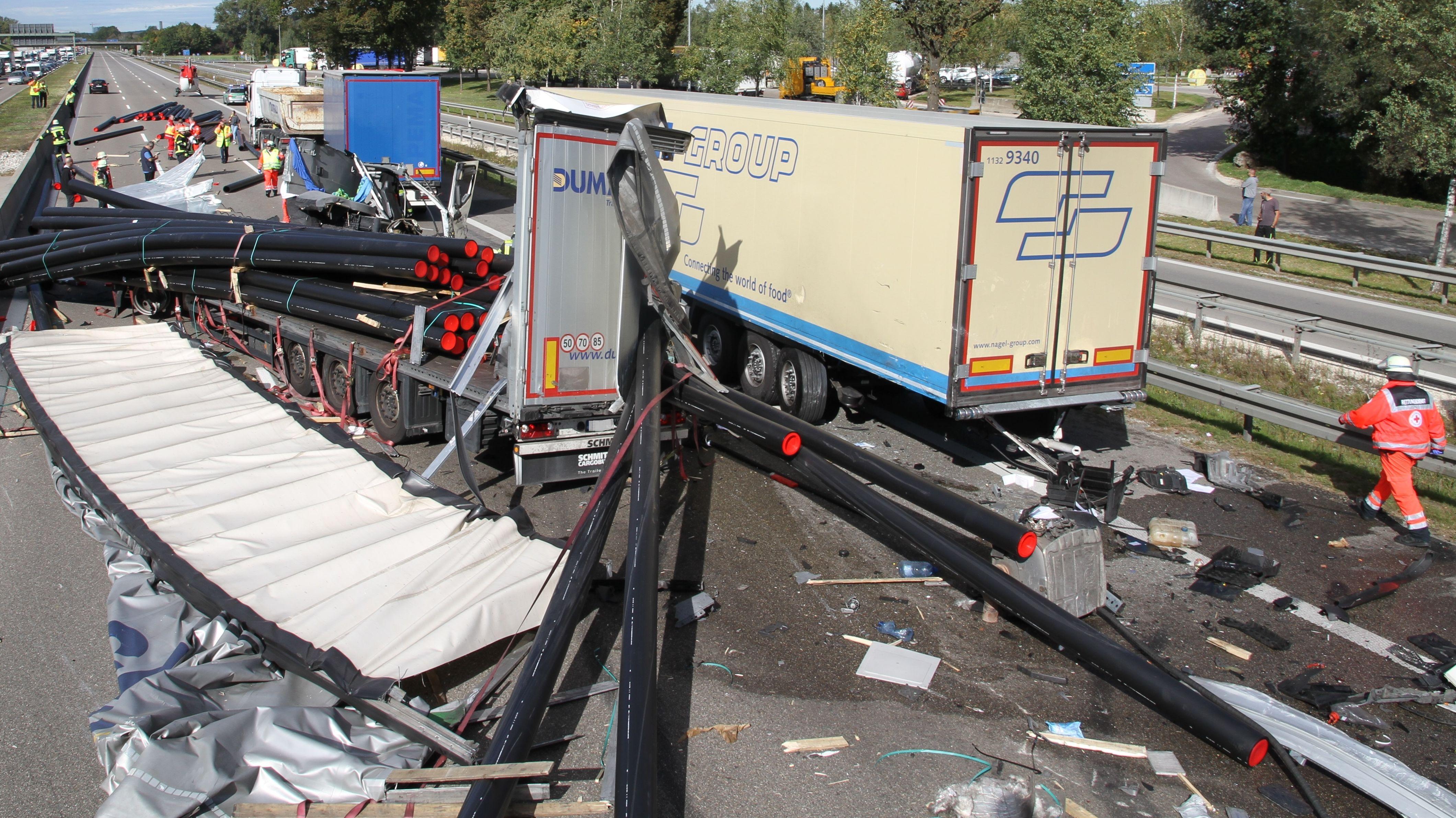 Schwerer Unfall auf der A 8 bei Augsburg