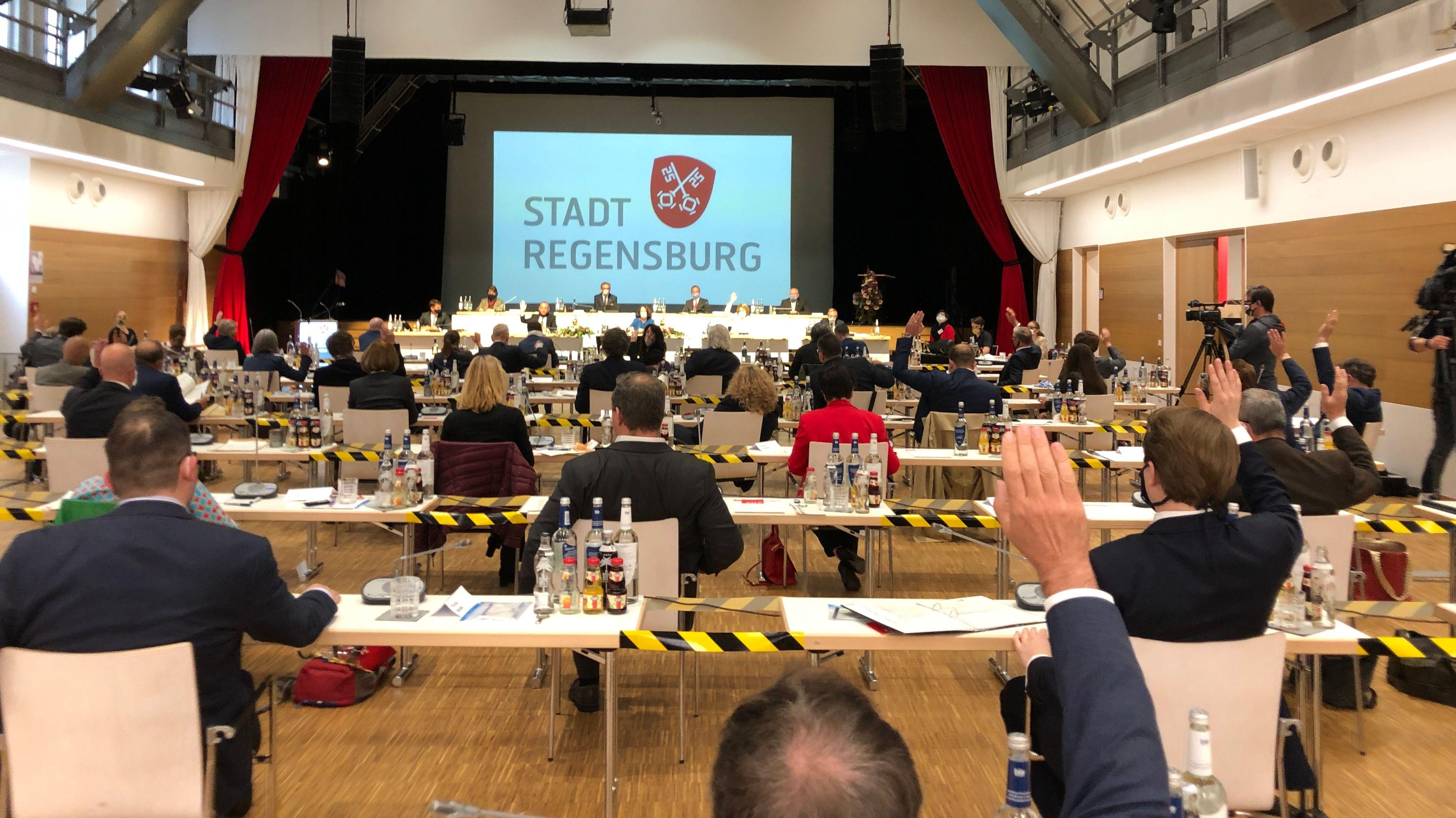 Konstituierende Sitzung in Regensburg.