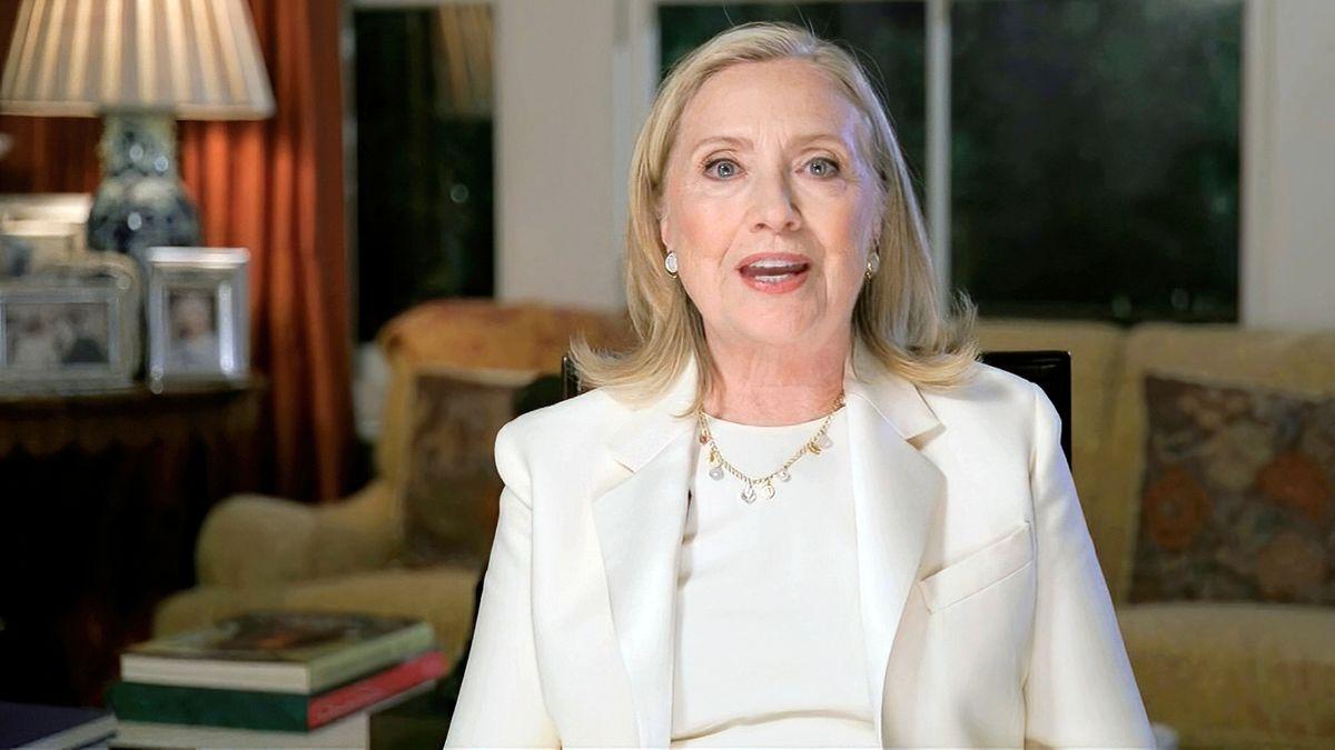 Ex-Außenministerin schreibt Thriller