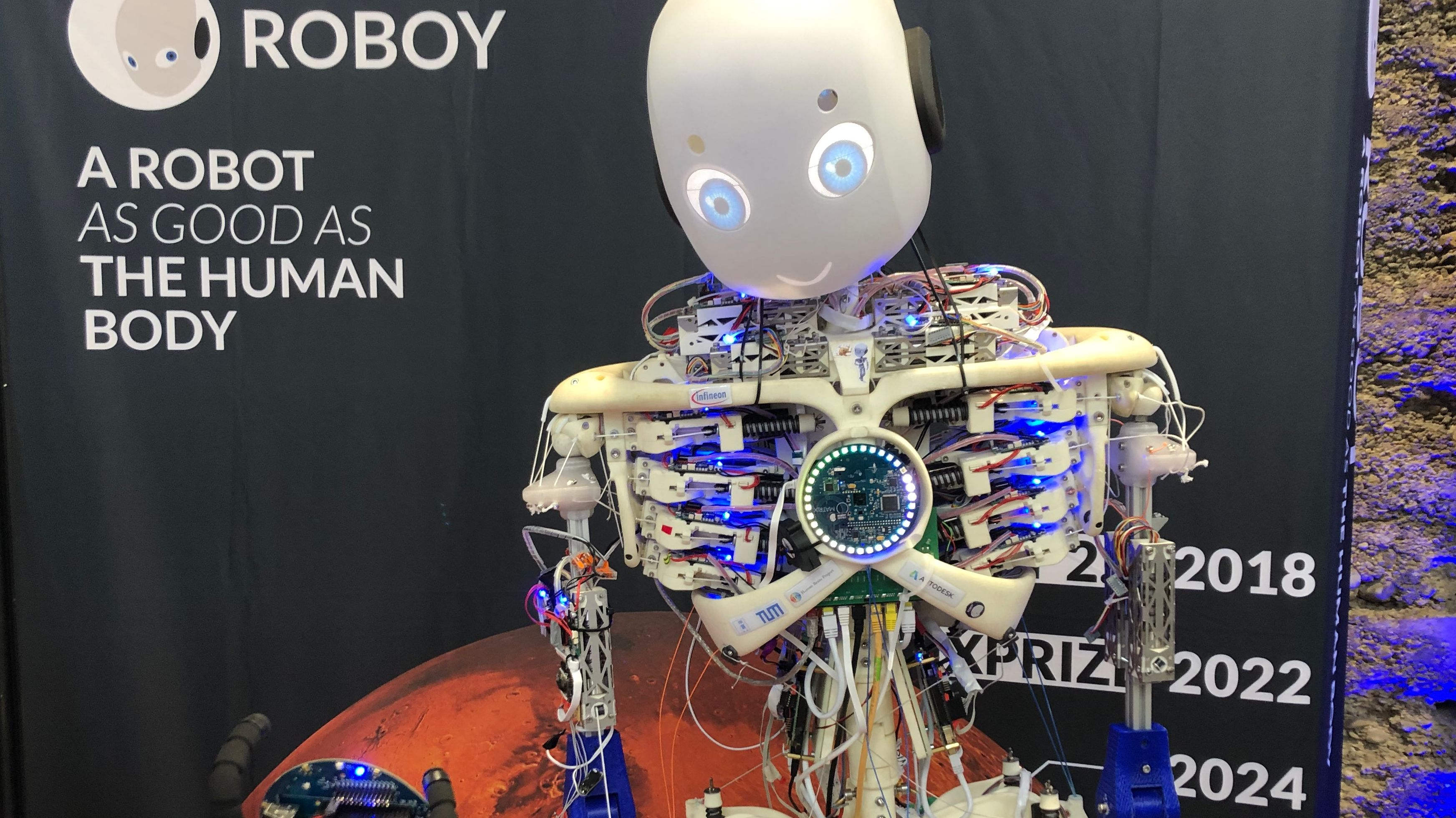 Roboter auf einem Fahrrad