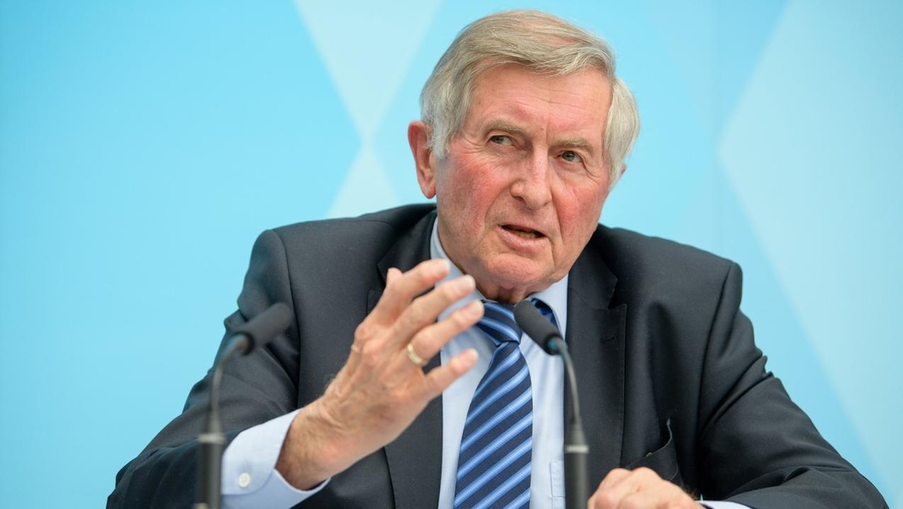 AloisGlück (CSU), Leiter des Runden Tischs zur Kompromisssuche nach dem erfolgreichen Volksbegehren zum Artenschutz.