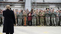 Trump bei einem Besuch der Ramstein Air Base im Jahr 2018. | Bild:picture alliance/ZUMA Press