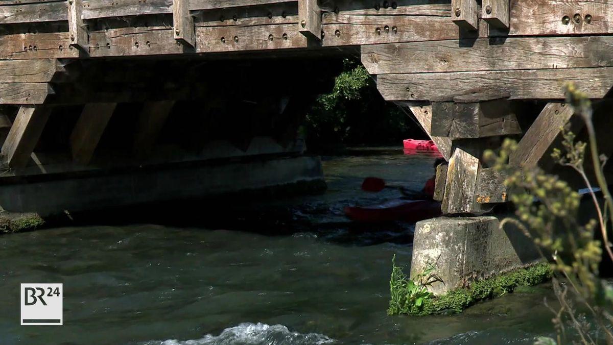 Wegen des niedrigen Wasserstandes ist die Wiesent bei Gasseldorf für Boote gesperrt.