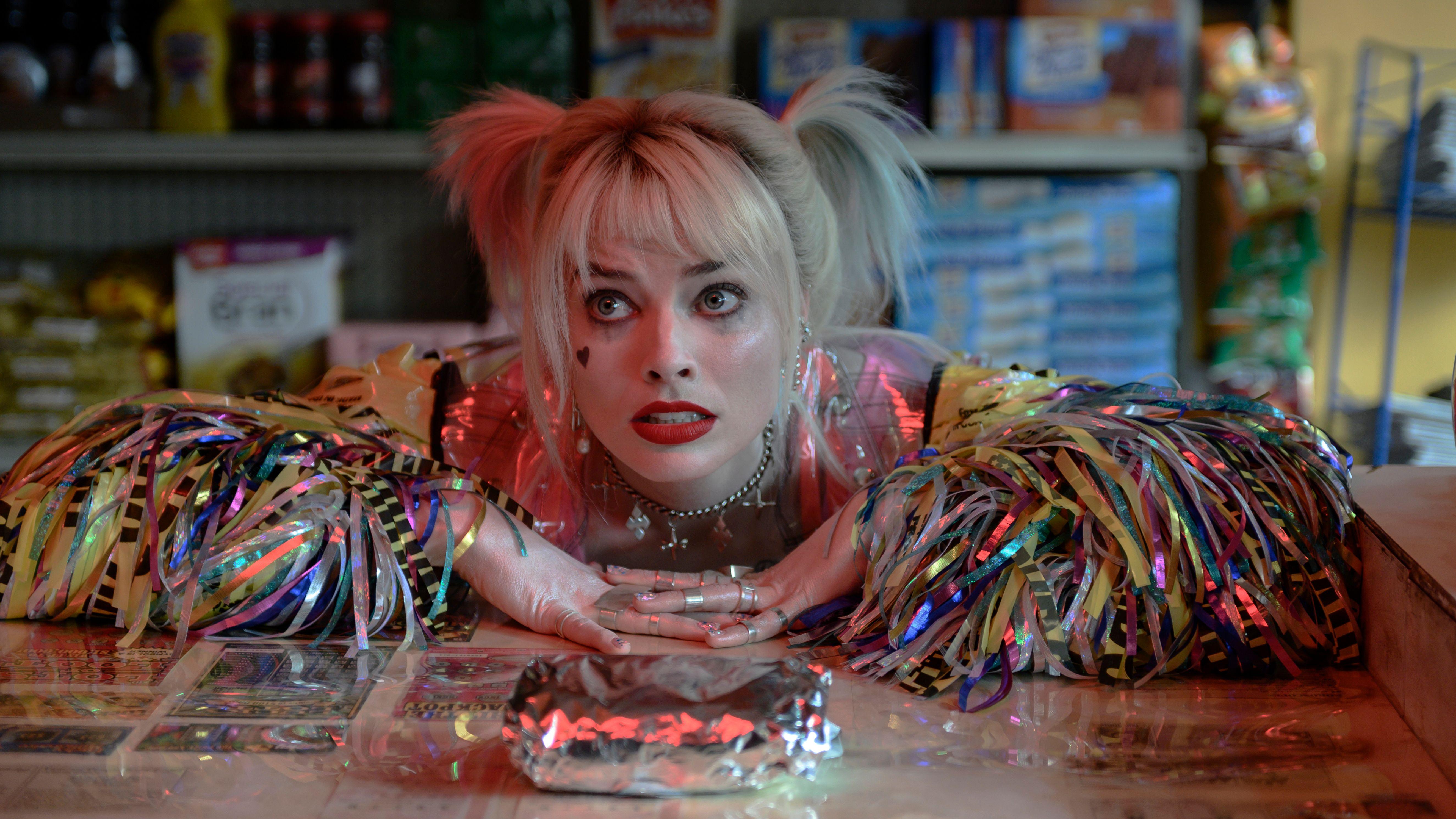 Superschurkin mit Liebeskummer: Der Joker hat sich von Harley Quinn (Margot Robbie) getrennt (Filmszene).