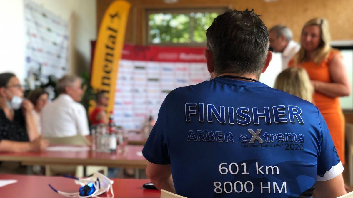 Teilnehmer Tom Schröder fuhr zusammen mit seinem Freund Klaus Huber beim Arber Radmarathon 1.111 km.