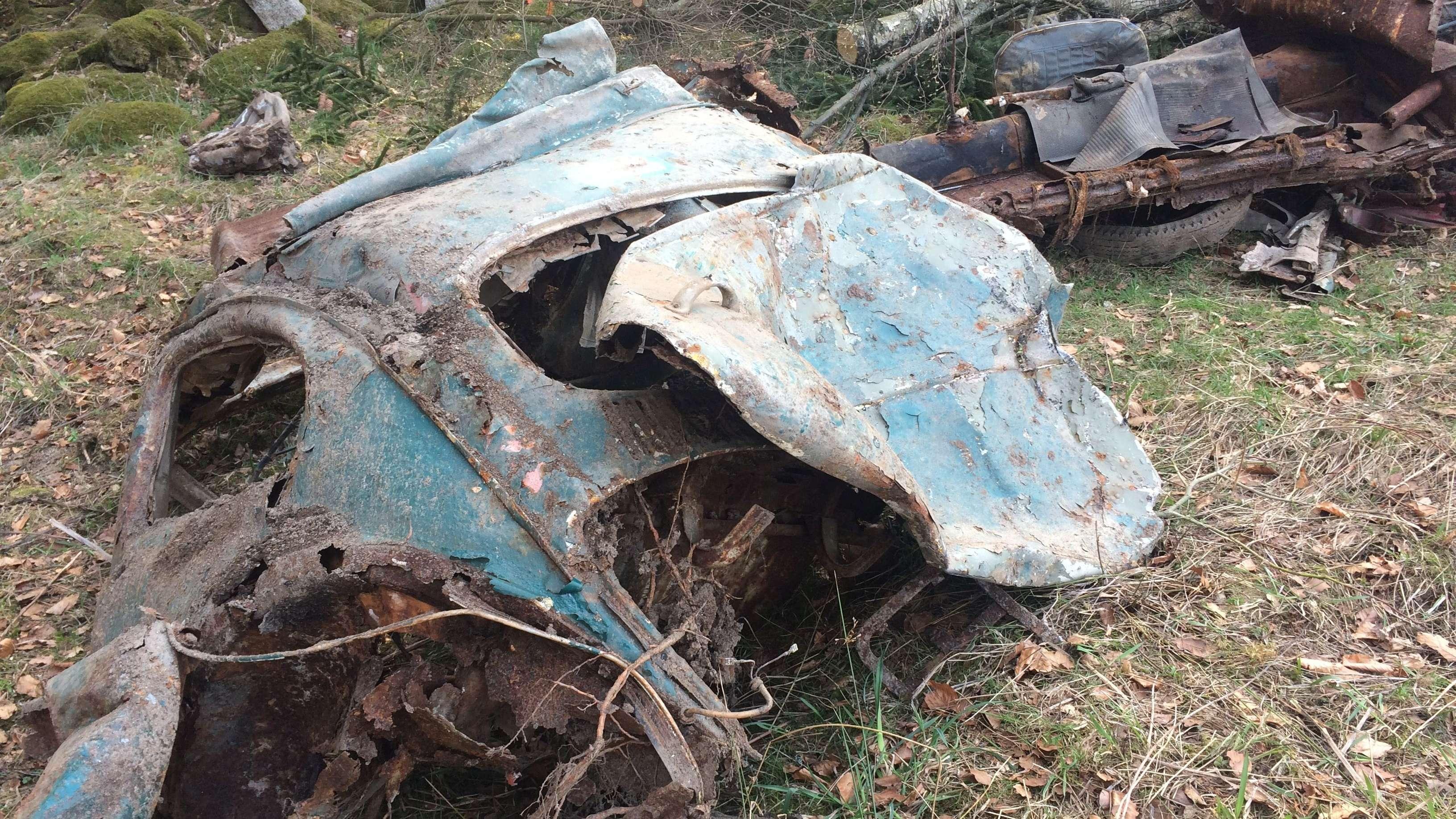 Teile des gefundenen Autowracks