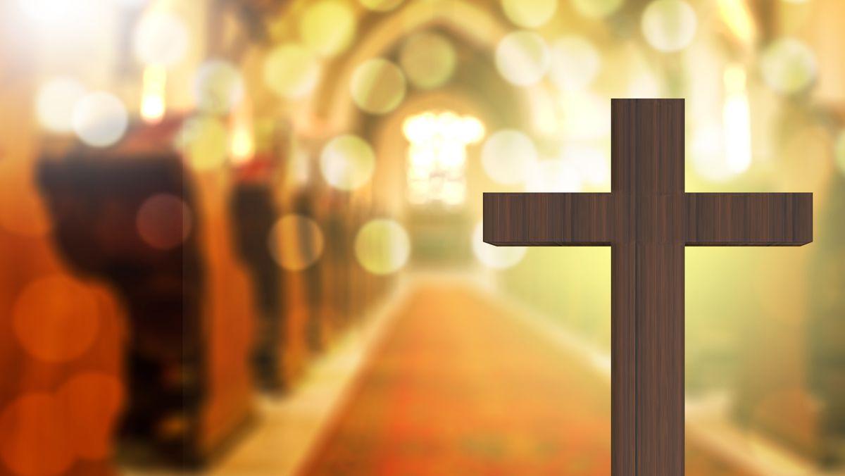 Symbolbild: Kreuz in einer Kirche