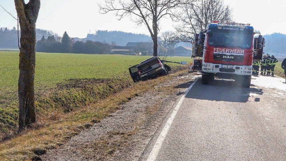 Die Unfallstelle bei Aldersbach im Landkreis Passau.