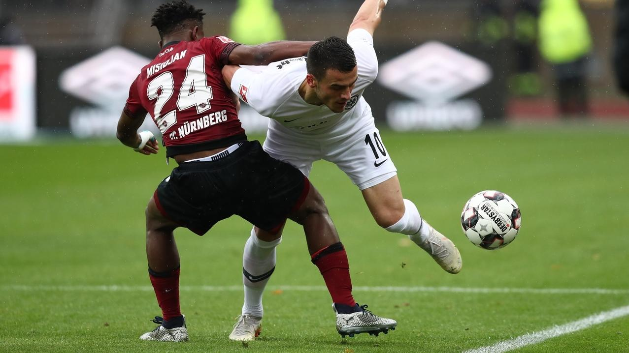 Szene aus dem Spiel Nürnberg gegen Frankfurt
