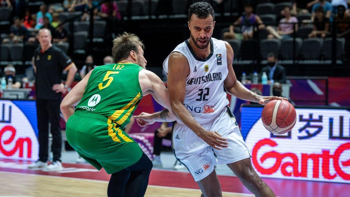Olympia-Qualifikation, Deutschland - Brasilien, K.o.-Runde, Finale. Deutschlands Johannes Thiemann (rechts) und Brasiliens Rafael Luz in Aktion.