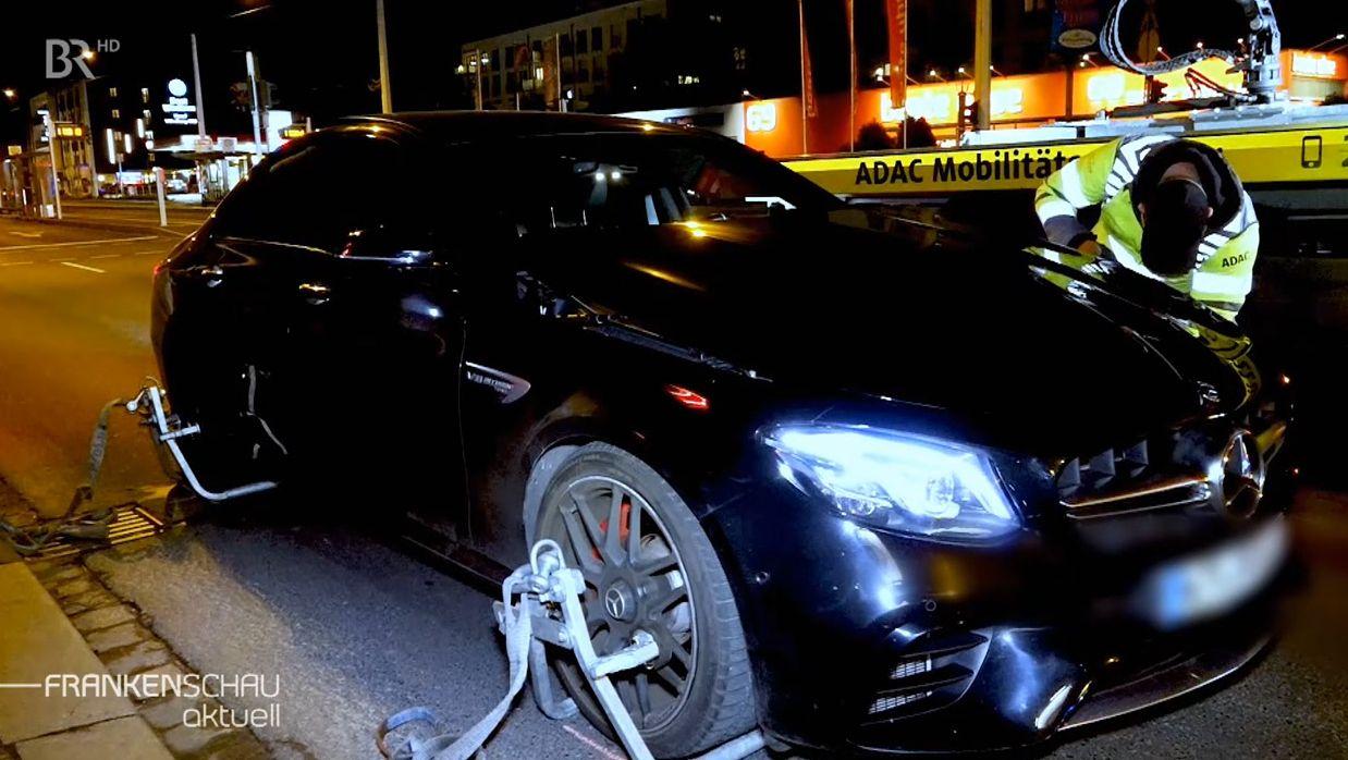 Fahrzeug wird nach Raserunfall in Würzburg beschlagnahmt