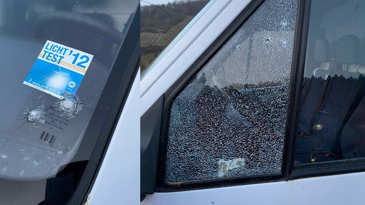 Einschusslöcher im Fahrzeug von Ramsthals Altbürgermeister Franz Büttner.