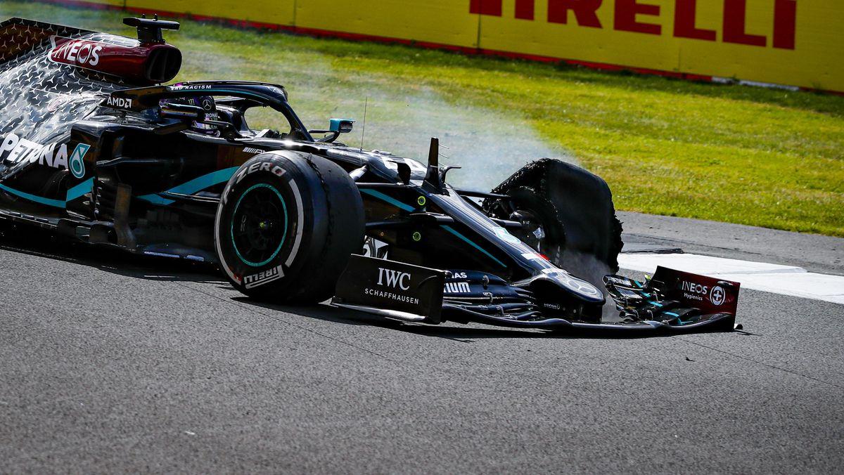 Lewis Hamilton in Silverstone mit defektem linken Vorderreifen