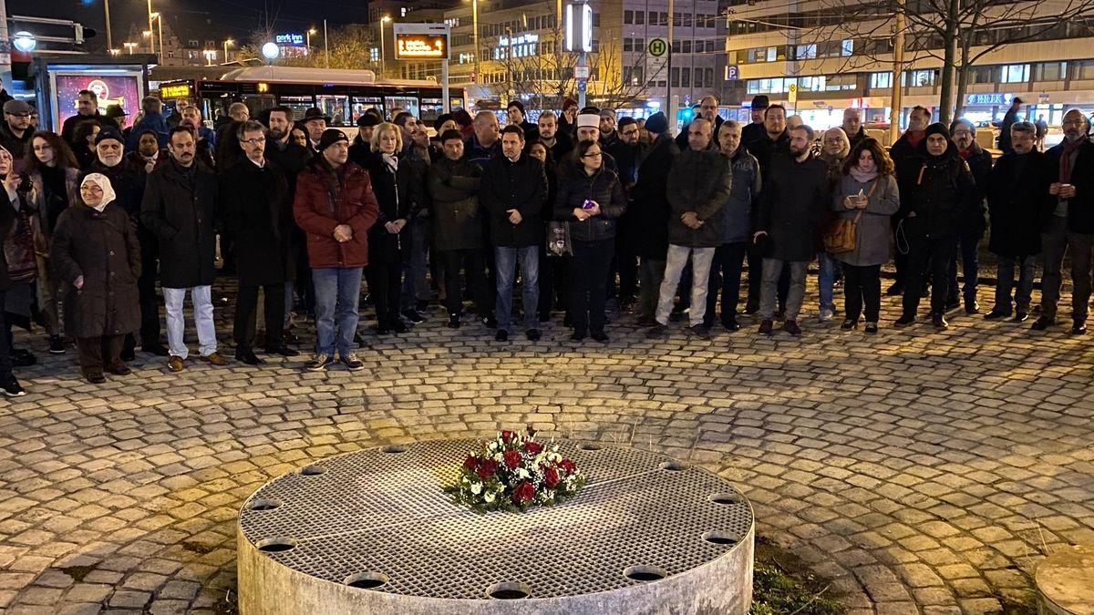 Am Nürnberger Plärrer: Andacht in Gedenken an die Opfer von Hanau