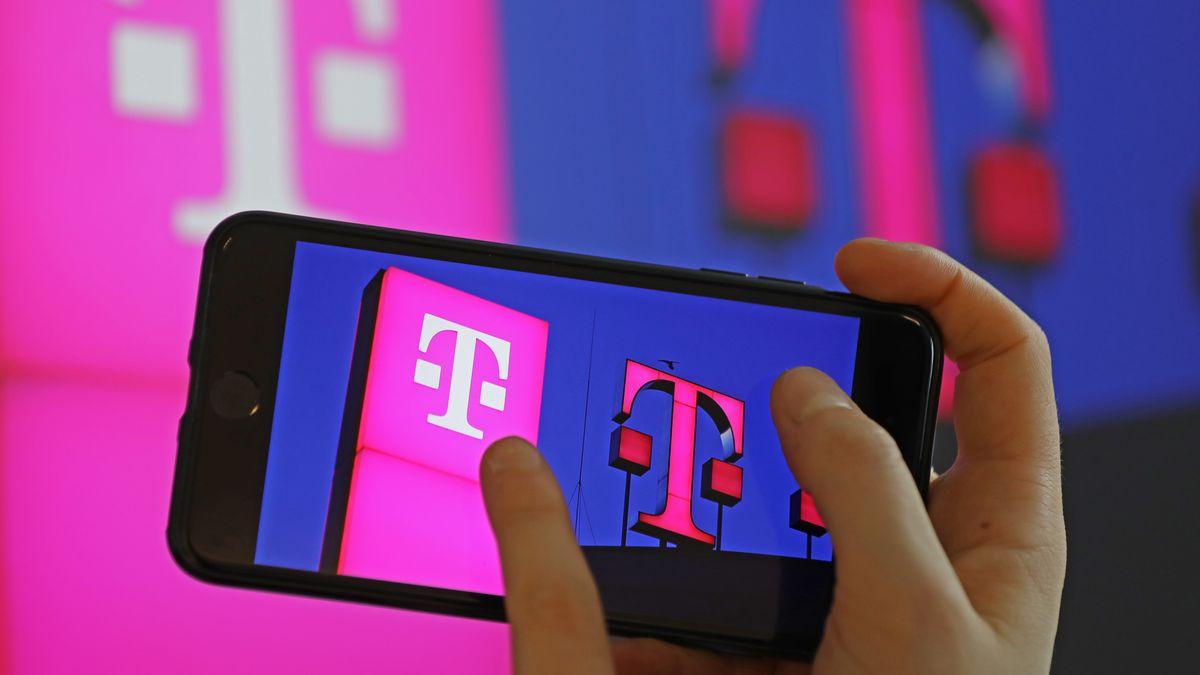 Deutsche Telekom: Logo auf einem Handy.