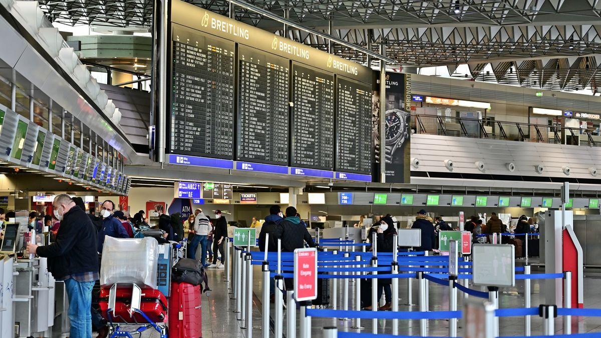 Flughafen-Terminal (Symbolbild)