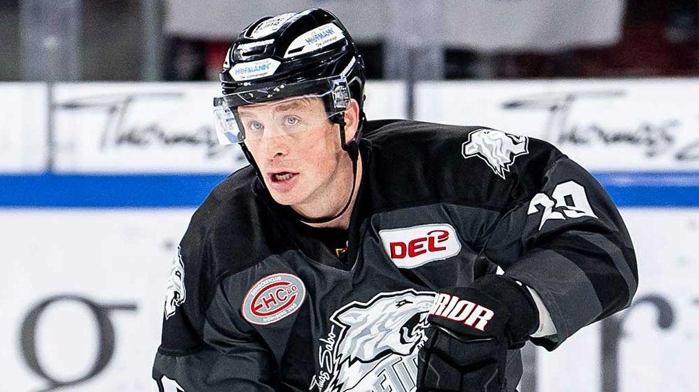 Eishockeyspieler Jack Skills bleibt in Nürnberg
