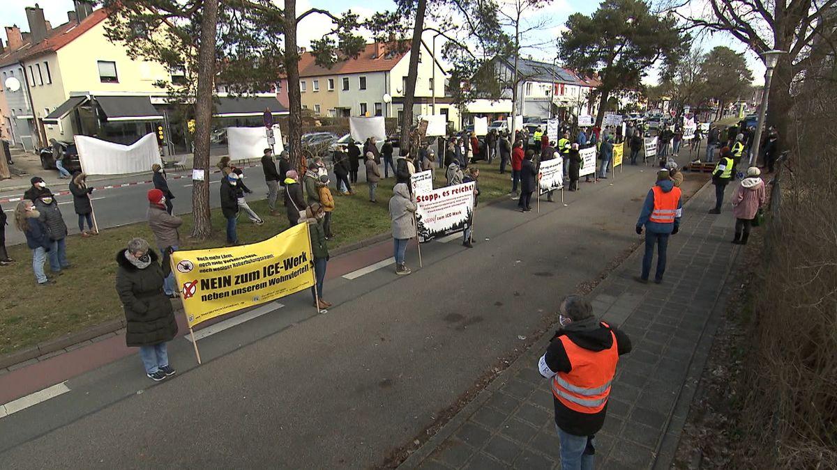 Protest gegen geplantes ICE-Werk in Altenfurt und Feucht.