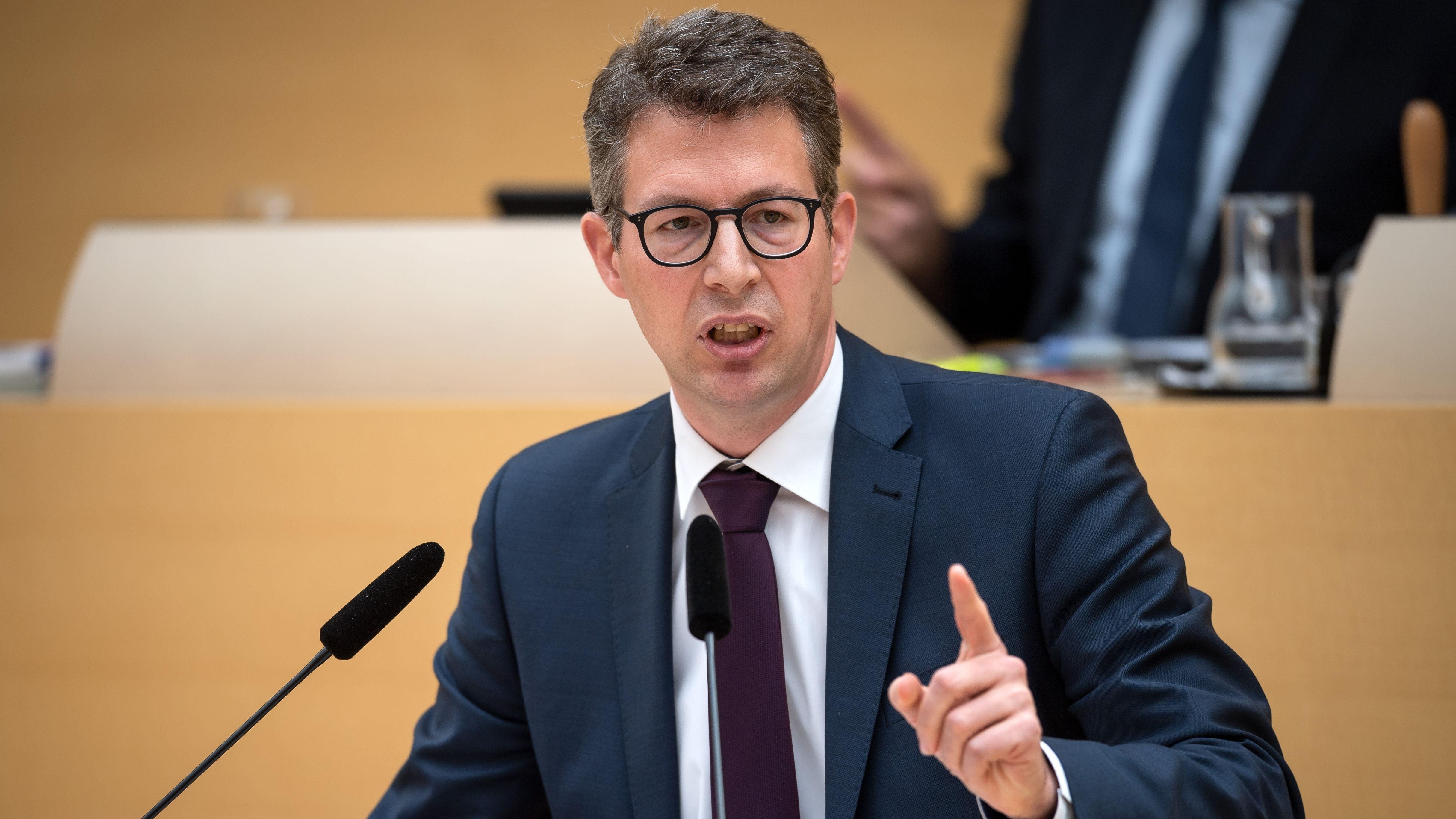 23.05.2019, Bayern, München: Markus Blume, CSU-Generalsekretär, spricht im Plenarsaal während einer Landtagssitzung.