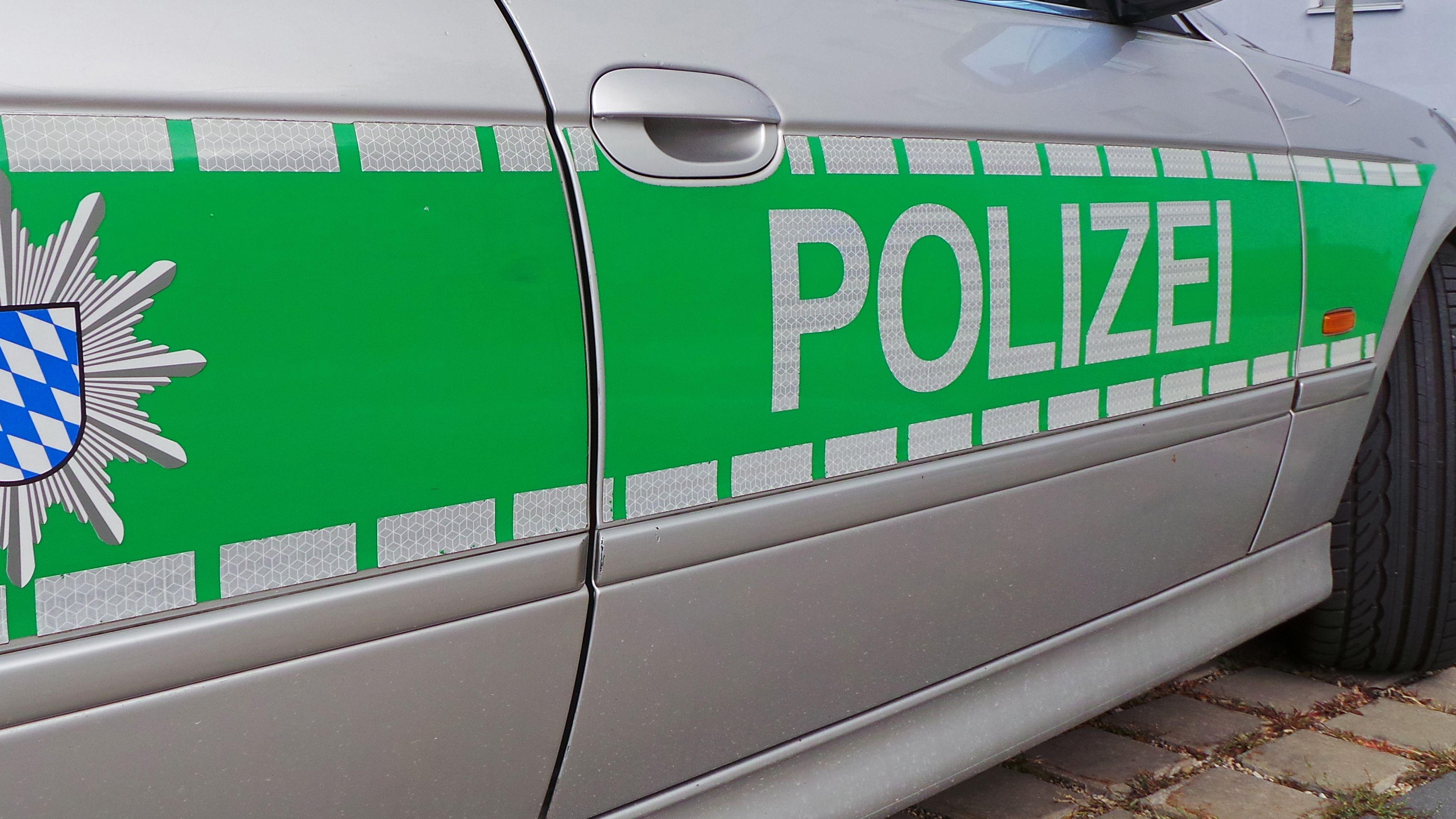 Ein Fahrzeug der bayerischen Polizei - Symbolbild