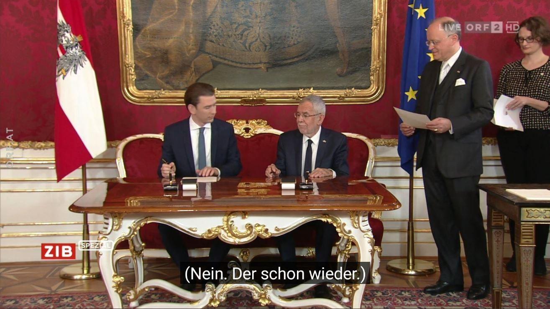 """Kurz und Van der Bellen unterzeichnen ihre Vereidigung - Untertitel: """"Nein. Der schon wieder"""""""
