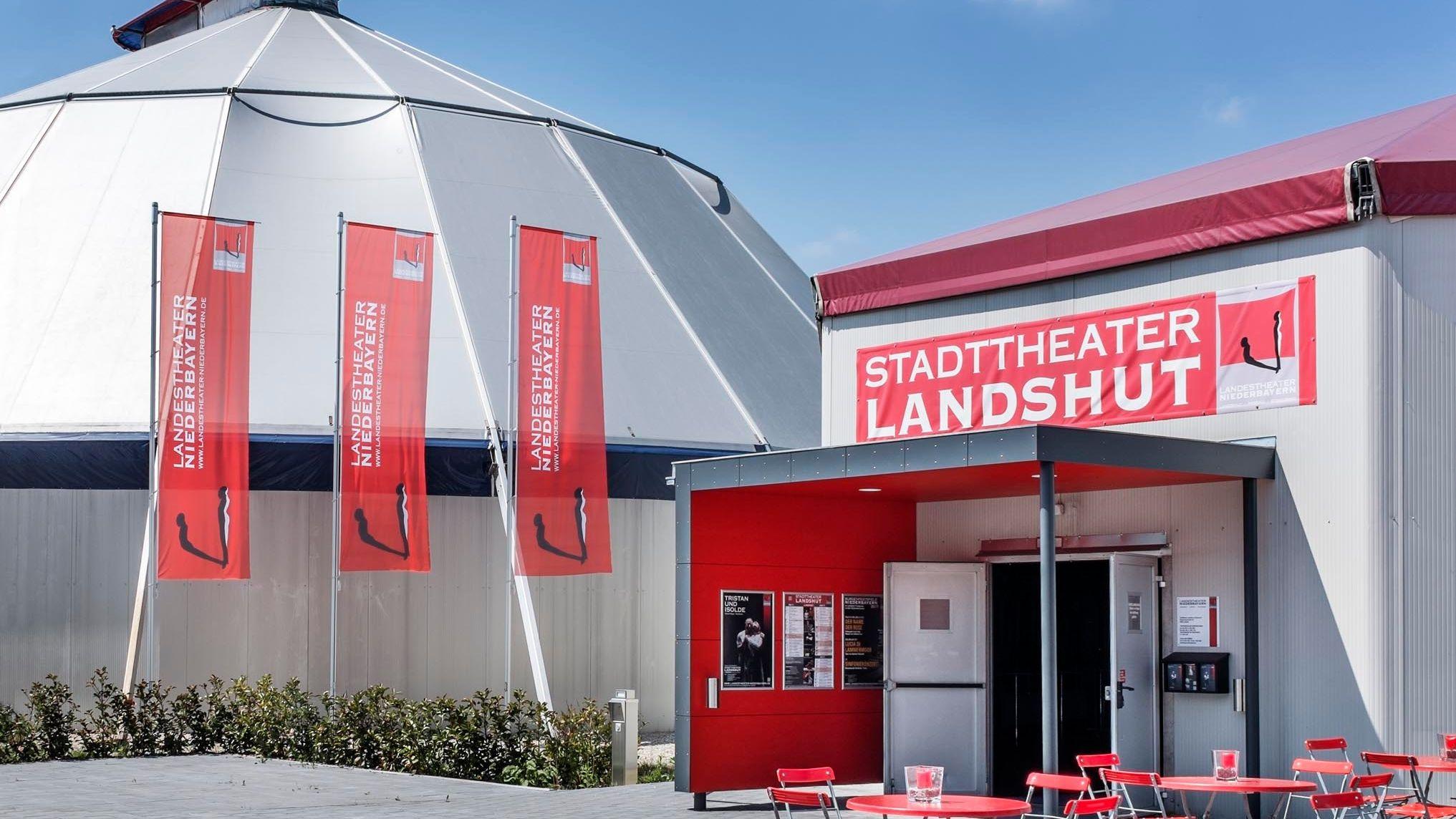 Es hakt an allen Ecken und Enden: Der Zeltbau des Stadttheaters Landshut