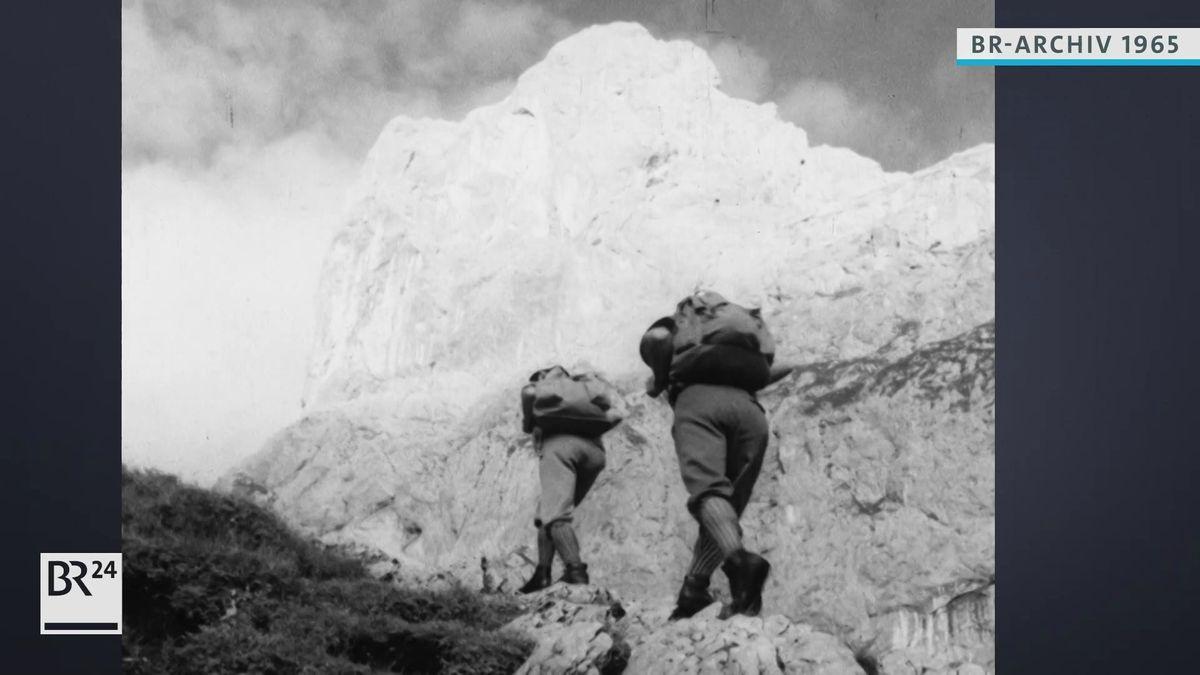 Bergsteiger beim Aufstieg zur Zugspitze.