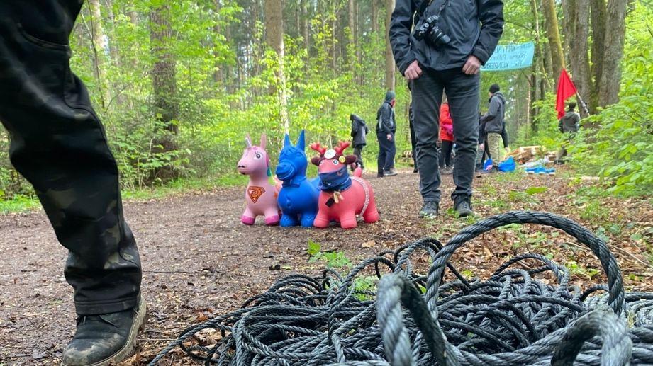 Klimaaktivisten besetzen Forst Kasten