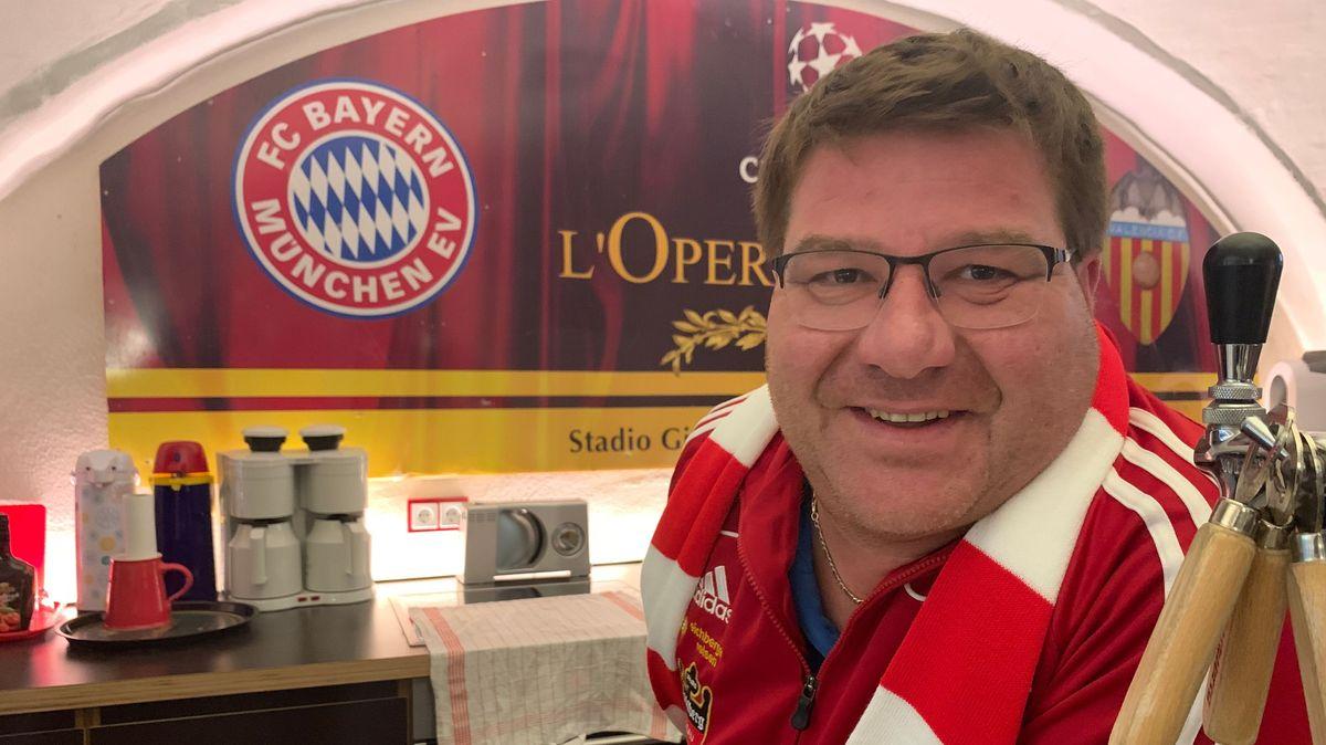 "Andi Öller, Vorstand vom Passauer FC Bayern-Fanclub ""Mia san mia"""