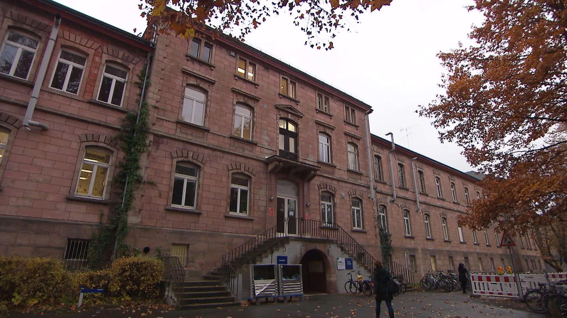 Ein Backsteingebäude in Erlangen