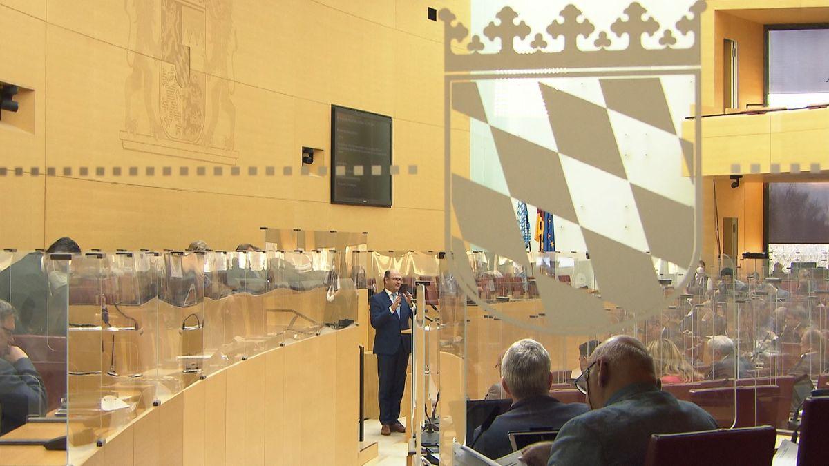 Blick in den Landtag bei der Debatte.