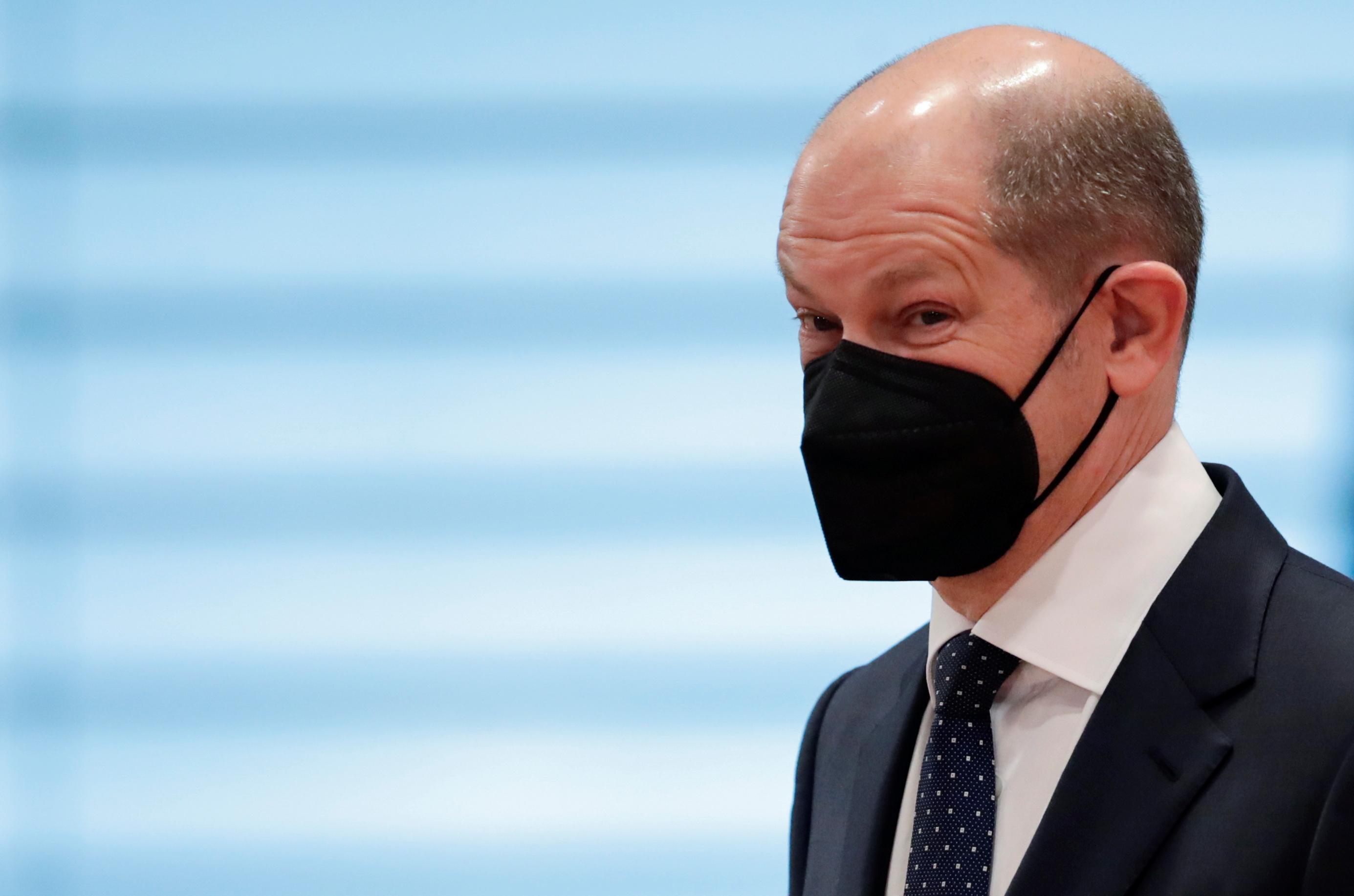 Harter Lockdown - Laschets Brücke zur Kanzlerkandidatur?