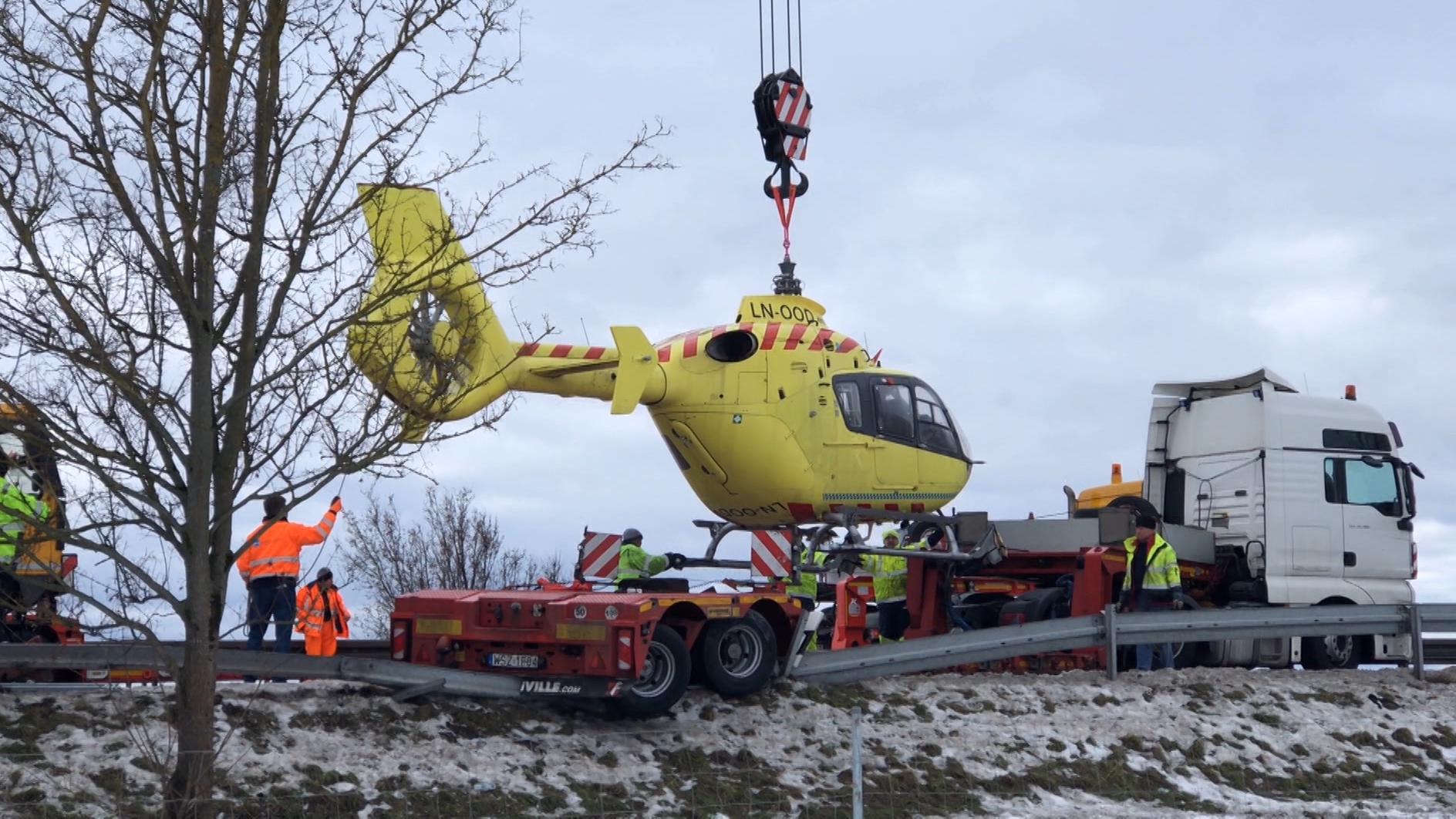 Der Hubschrauber wird von der A3 geborgen